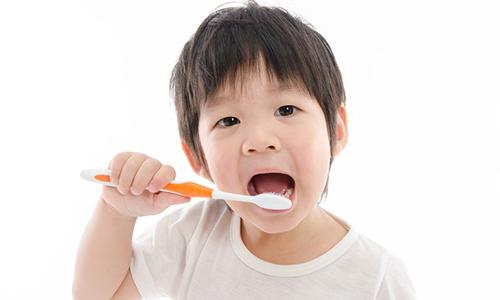 Mengapa Beberapa Anak Lebih Rentan Mengalami Kerusakan Gigi