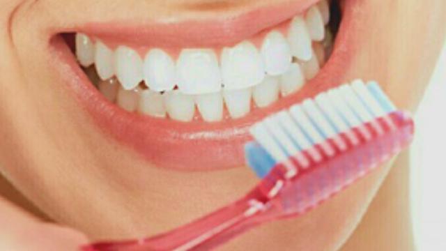 Separuh Orang Dewasa Dan Sepertiga Anak-Anak Tidak Menyikat Gigi Dua Kali Sehari